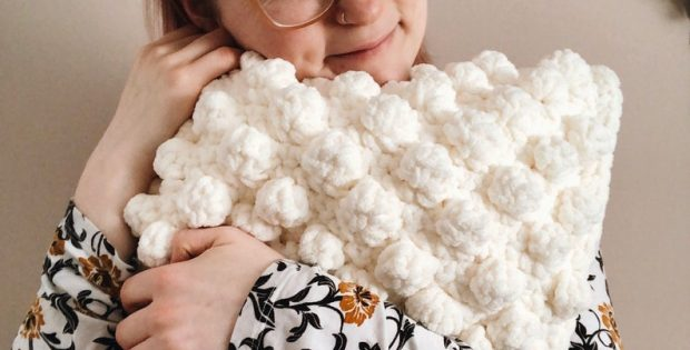cozy bernat crochet pillow pattern