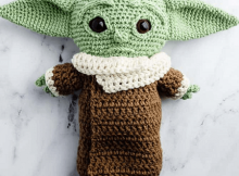 Baby Yoda Crochet Pattern by Sarah Maker