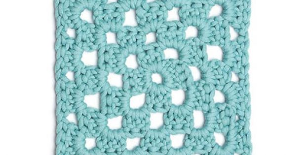 How to Crochet a Granny Square by Bellacococrochet
