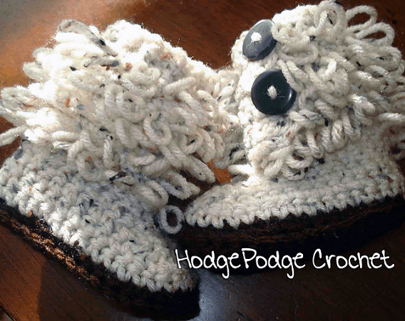 Loopy Free Crochet Baby Boots Pattern by Tanya Naser