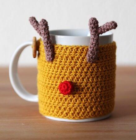 Reindeer Mug Cozy Crochet Pattern by Haak Maar Raak