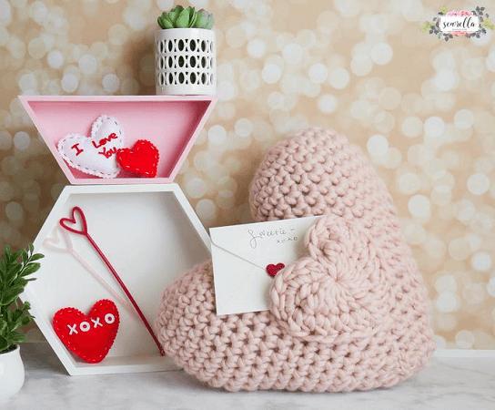 Love Note Crochet Pocket PillowPattern by Sewrella