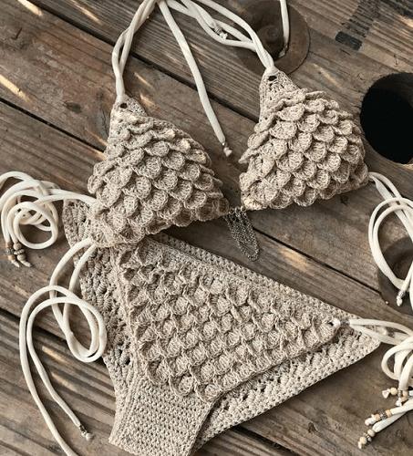 Crocodile Stitch Crochet Bikini Pattern by Capitana Uncino