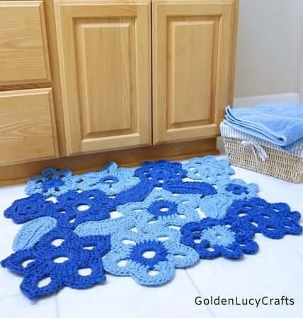 Crochet Flower Rug Pattern by Golden Lucy Crafts