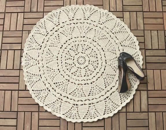 Crochet Lace Rug Pattern by Lilla Bjorn Crochet