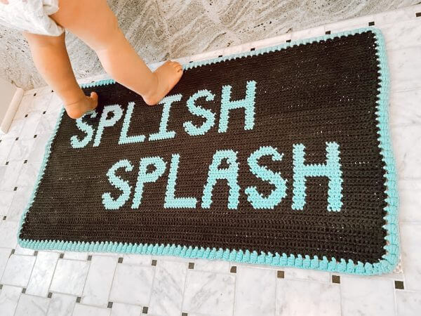 Free Tapestry Crochet Rug Pattern by E'Claire Makery