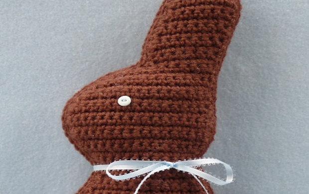 Easter Bunny - Free amigurumi pattern | 390x620