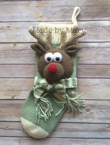 11-Crochet-Rudolph-Reindeer-Christmas-Stocking-Pattern-Mary-Abbie-986