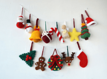 A Very Merry Crochet Christmas Ornament Pattern by Vliegende Hollander