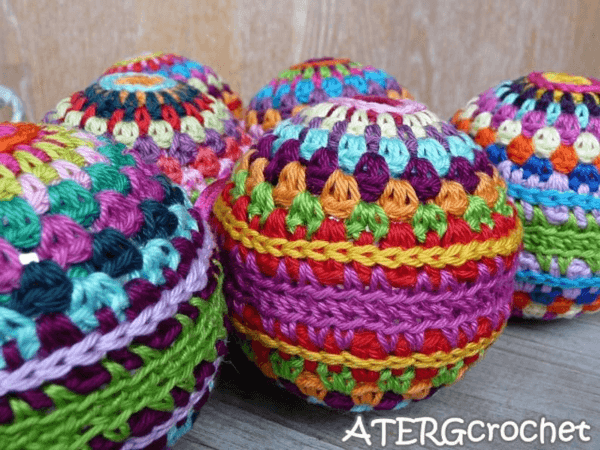 Colorful Crochet Christmas Ornament Pattern by ATERG Crochet