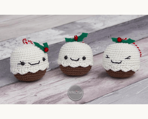 Kawaii Pudding Crochet Christmas Pattern by Arliecraft
