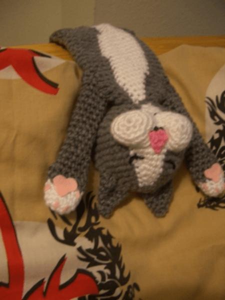 Laid-back Crochet Cat Pattern by Crochet Parfait