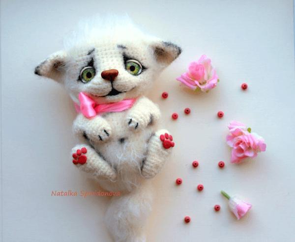 Masya Crochet Cat Pattern by CrochetbyNatalia