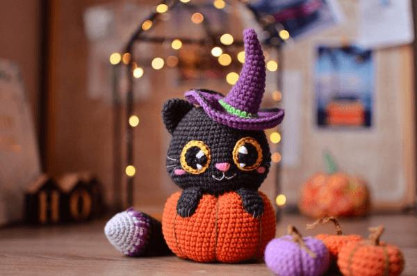 Pumpkin Crochet Cat Pattern by Magicfilament