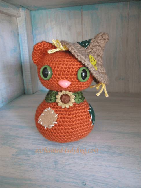 Scarecrow Crochet Cat Pattern by Enchanted Ladybug