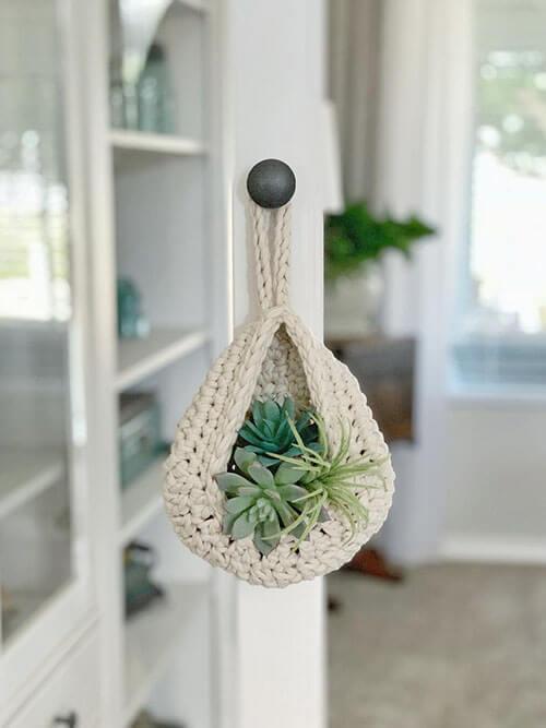 Teardrop Crochet Basket Pattern Hang on hook