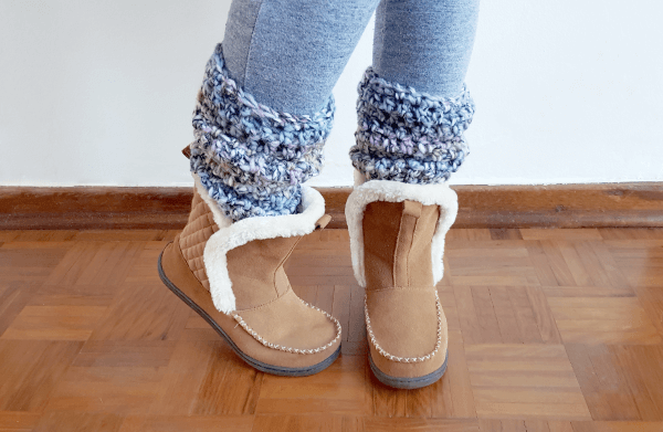 Two Hour Crochet Leg Warmers Pattern by Projectarian