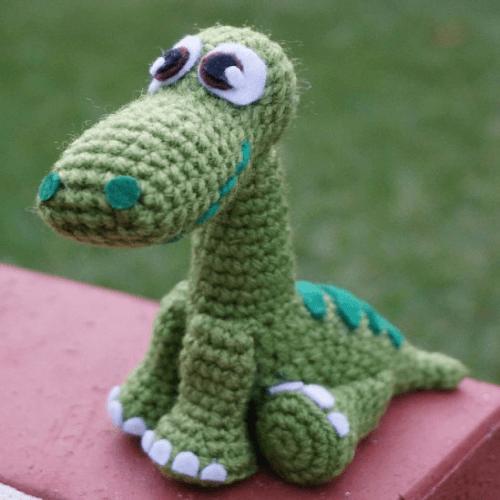 Arlo, The Apatosaurus Dinosaur Crochet Pattern by Rach Chua