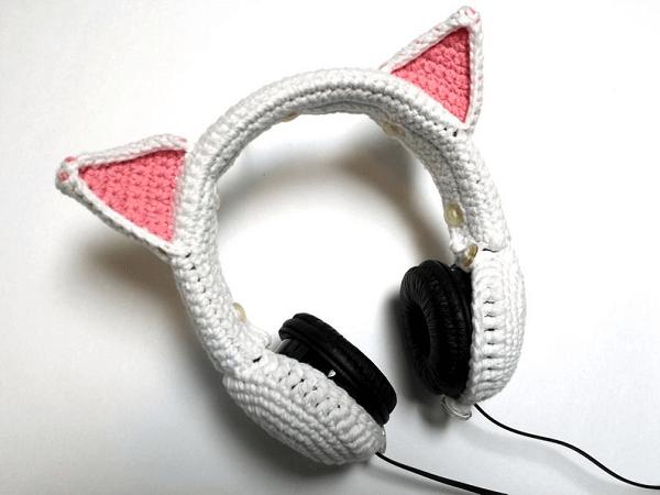 Crochet Cat Ears Headphones Cover Pattern by Zonal