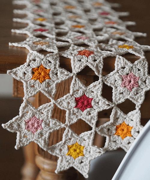Crochet Star Posy Table Runner Pattern by Lulu Loves UK