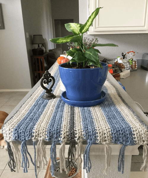 Farmhouse Table Runner Crochet Pattern by Daisy Stitch Co