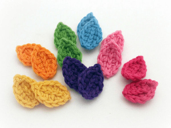 Small Crochet Leaf Pattern by Mamachee