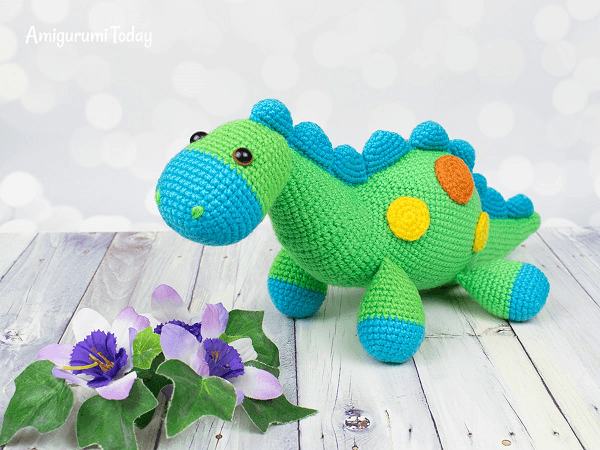 Stegosaurus Dinosaur Crochet Pattern by Amigurumi Today