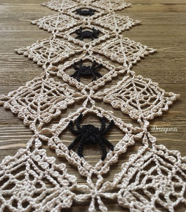 Halloween Spider Cobwebs Crochet Doily Pattern