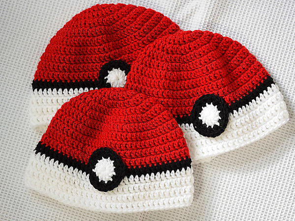 Crochet Pokeball Hat Pattern by Bonnie Jacobs