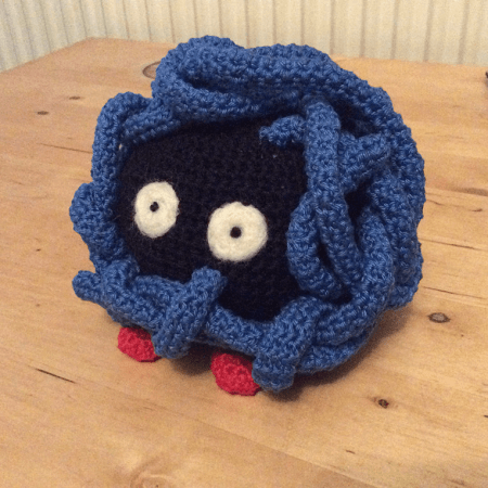 Crochet Pokeball Hat | Sheepishly Sharing | 450x450