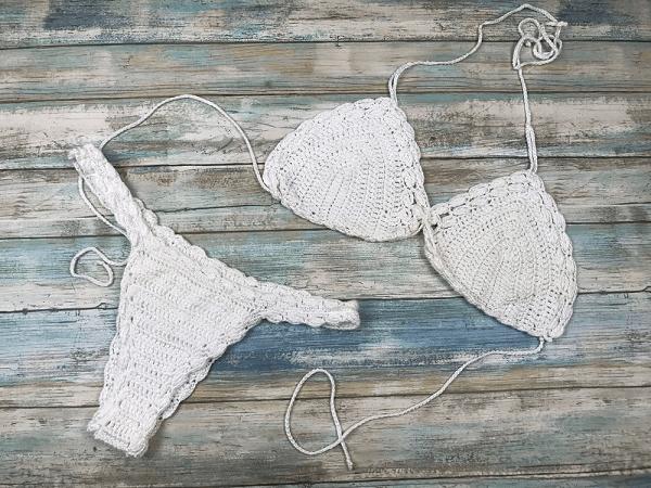 Lacey Mae Crochet Bikini Pattern by Kristin Omdahl