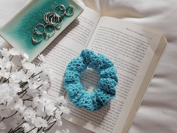 Maz Scrunchie Crochet Pattern by Cosmaudi