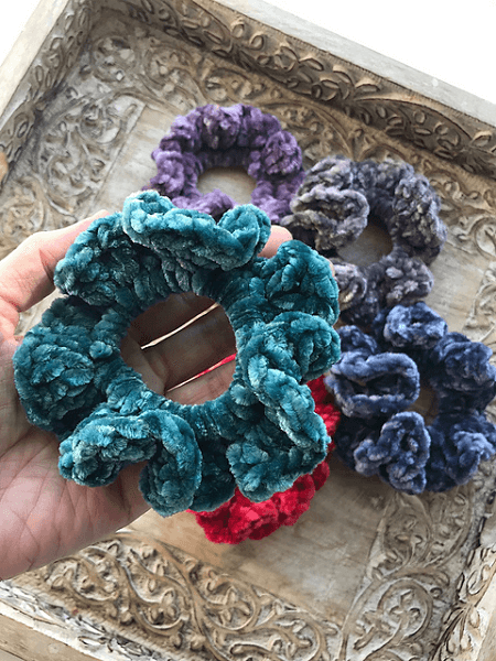 Sophie Scrunchie Crochet Pattern by Deni Sharpe