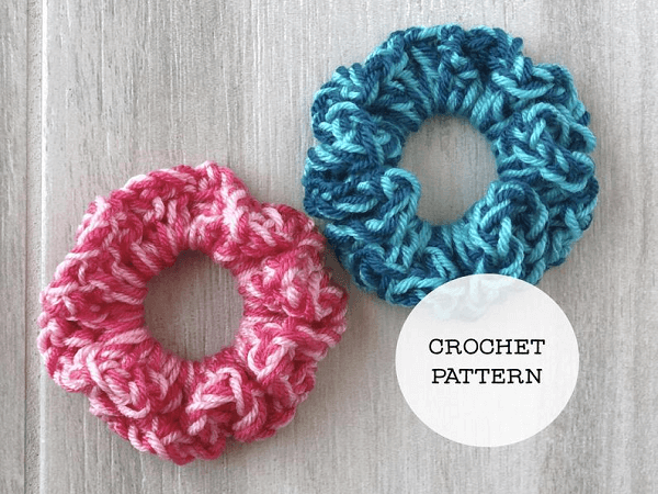 Super Easy Scrunchie Crochet Pattern by Random Olive Stitches