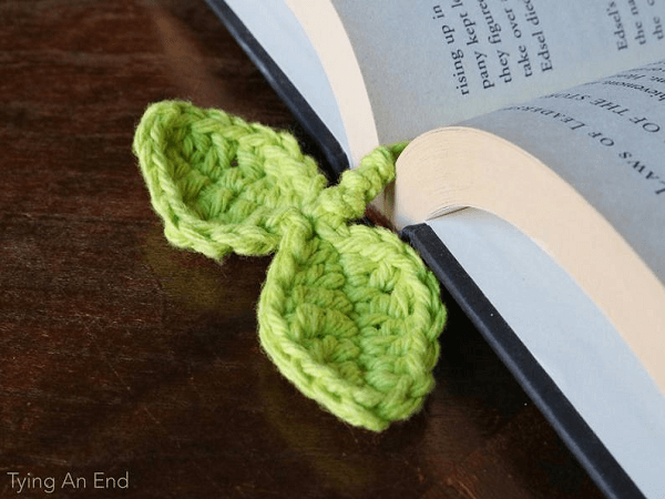 Crochet Budding Leaf Bookmark Pattern by Tying An End
