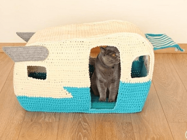 Crochet Cat Bed House Pattern by Buddy Rumi