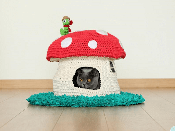 Crochet Cat House Pattern by Buddy Rumi