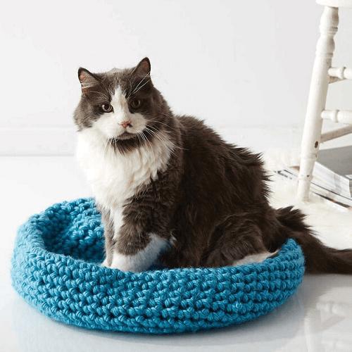 Crochet Cat Nap Nest Pattern by Yarnspirations