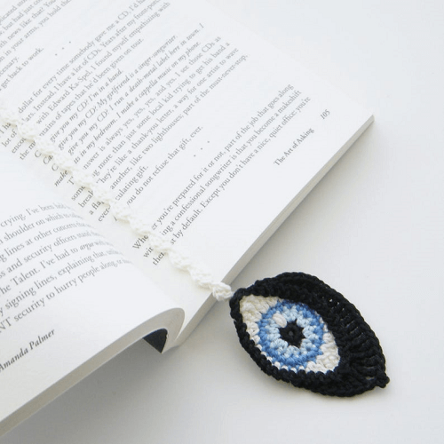 Crochet Eyes Bookmark Pattern by The Curio Crafts Room