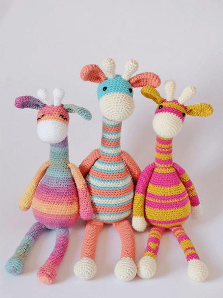 Giraffe Amigurumi Crochet Pattern by Kornflake Stew