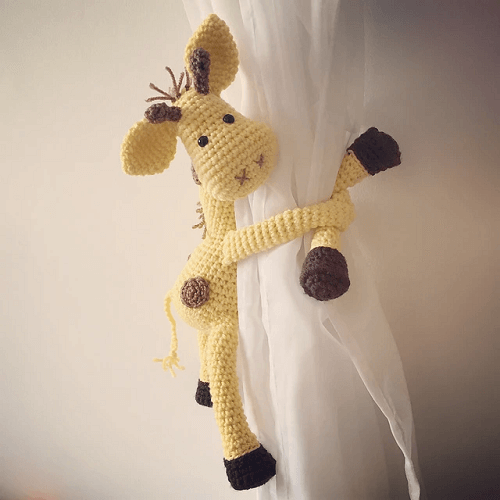 Crochet Giraffe Curtain Tieback Pattern by Nice And Cosee