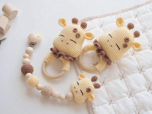 Crochet Giraffe Teether And Pacifier Clip Pattern by R Nata