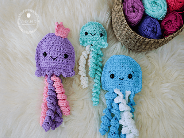 Crochet Ragdoll Jellyfish Pattern by Yarn Hild