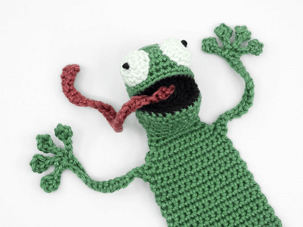 Frog Bookmark Crochet Pattern by Supergurumi Shop