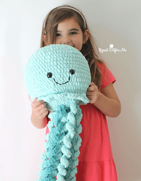 Giant Crochet Jellyfish Pattern by Repeat Crafter Me