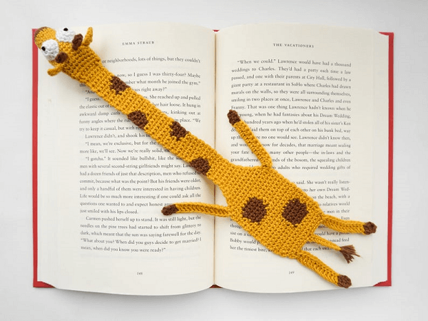 Amigurumi Giraffe Bookmark Crochet Pattern by Supergurumi Shop