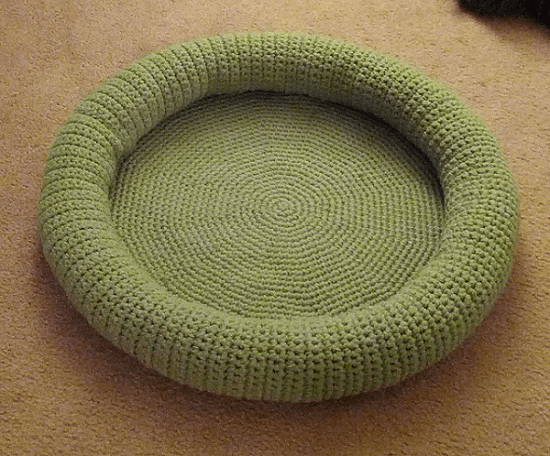 Kitty Bed Crochet Pattern by Ashley Dunham