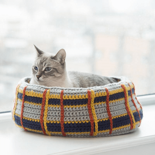 Kitty Cat Bed Crochet Pattern by A.C. Moore