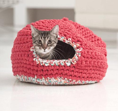Kitty Cozy Crochet Cat Bed Pattern by Lion Brand