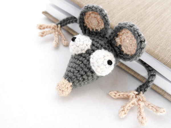Rat Bookmark Crochet Pattern by Supergurumi Shop